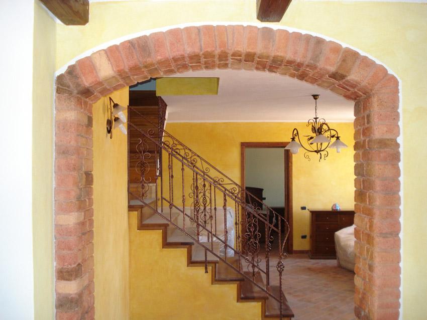 Abitazione privata osilo decorazioni pittoriche e for Mattoni finti per interni
