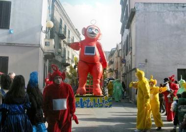 Carnevale -carro Teletubbies  – Bonorva (SS)